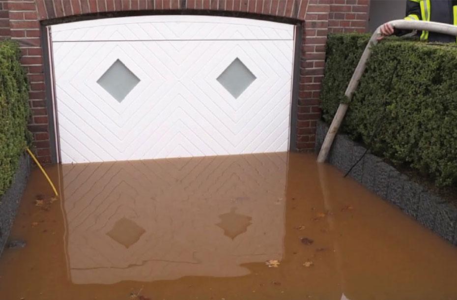 AquaLOCK garage